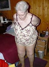 OmaGeil.com - Privileged Granny Porn